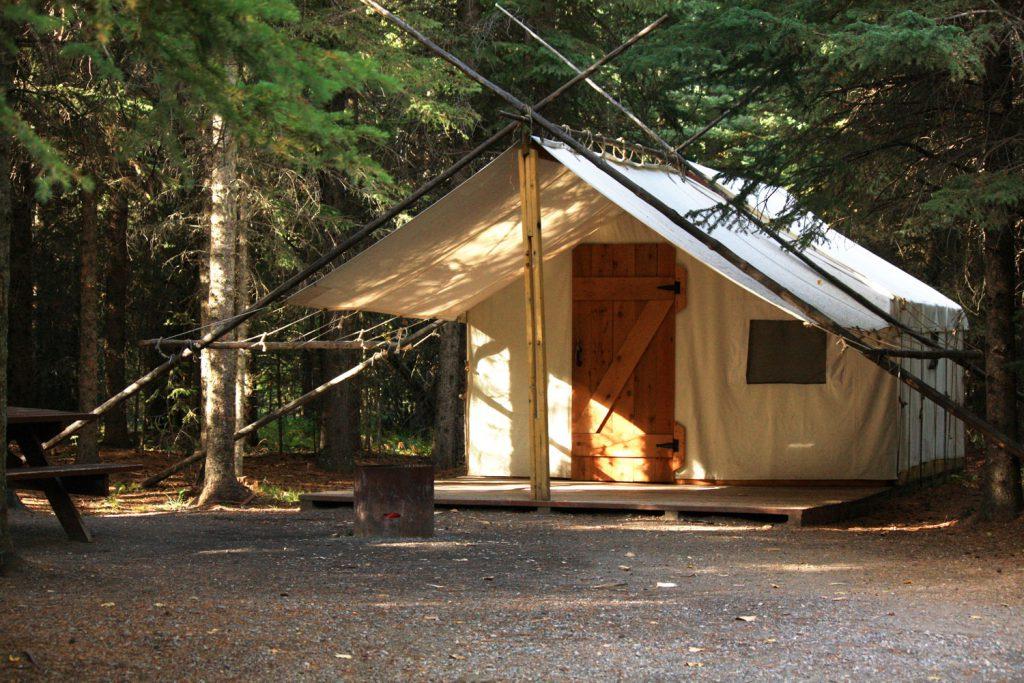 Sundance Lodges Tipis Trapper S Tents Campsites The